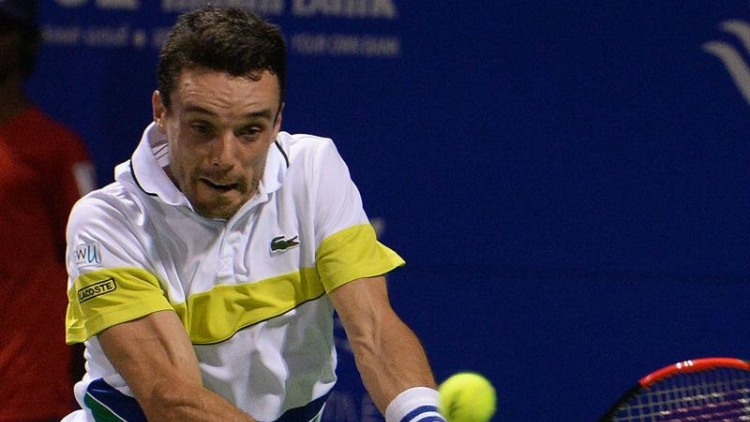 Roberto Bautista Agut faces Daniil Medvedev in final