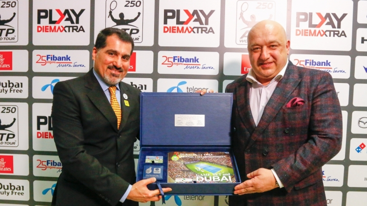 A special gift for Minister Kralev from Salah Tahlak