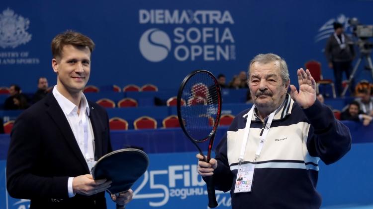 Специално признание за Стефан Цветков-старши преди финала