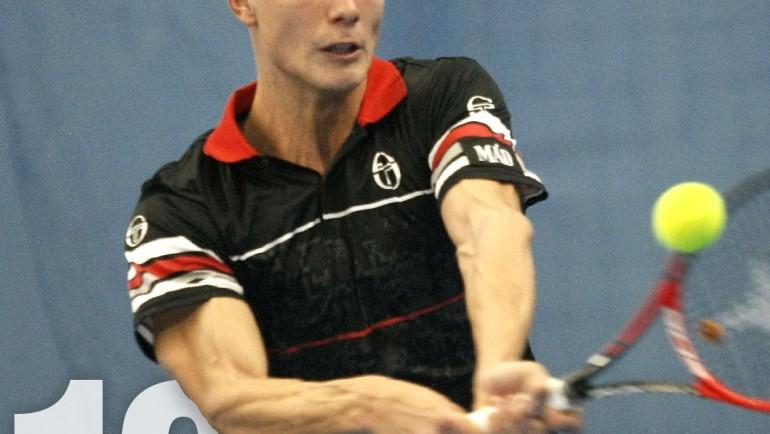 Мартон Фучович, който пише историята на унгарския тенис и обича да играе на трева