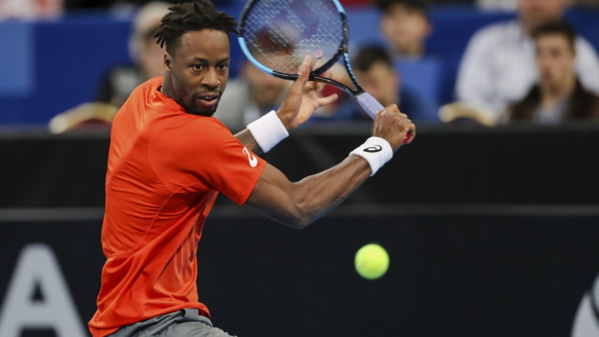 Gael Monfils marches on without lost set