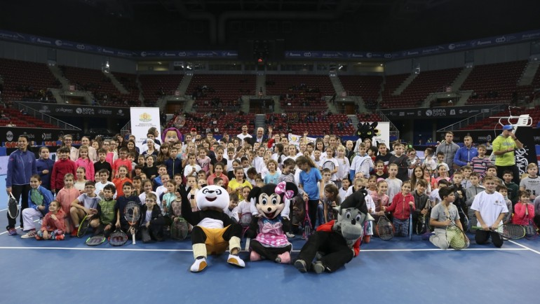 "Khachanov staged a kid's clinic, part of the ""Tennis – a sport for all"" program"
