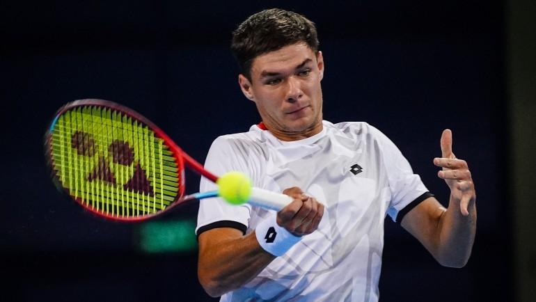 Lucky Loser Majchrzak stuns Bulgarian hero Kuzmanov to play his first ATP QF